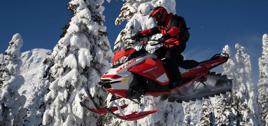Brochure accessoires et vêtements ski-doo